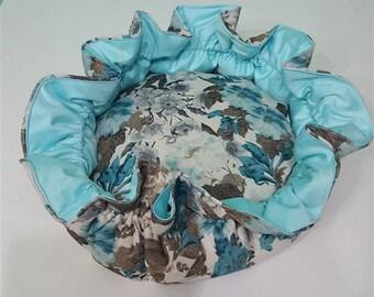 Flower shape blue pet bed