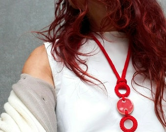 Red ceramic necklace / Modern necklace / Ceramic pendant / Modern jewelry / Minimal modern jewelry / Ceramic jewelry / Aliquid