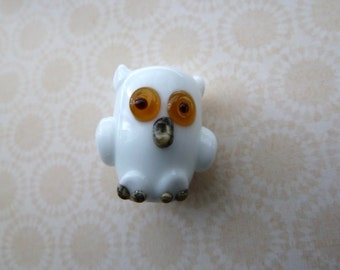 handmade white snowy owl lampwork glass bead, UK novelty focal