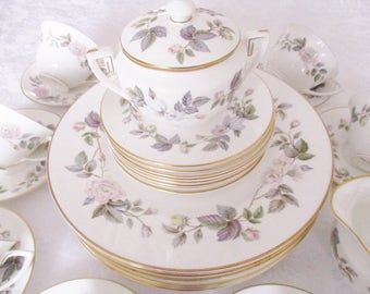 VINTAGE DINNERWARE by Royal Worchester 34 peice set June Garland pattern, fine bone china English dinnerware set, excellent condition