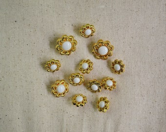 12 Gold Rope Flower Buttons