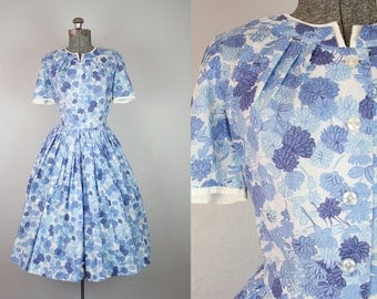 1950's Blue Floral Cotton Dress / Size Medium