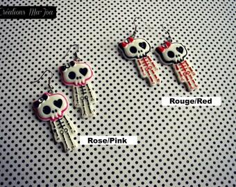 Boucles d'oreilles Squelettes cartoon rose ou rouge-