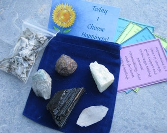Set of 5 Raw Gemstones, Instant Rock Collector Kit with Positive Affirmation & White Sage Smudge, Raw Emerald Garnet, Aquamarine, Tourmaline