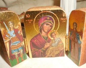 Mini Triptych Hinged Mary Iconos Byzantine Art Icon Mother and Child With Angels / Religious Shrine