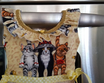 Cats on Vacation Yellow and Tan Kitchen Oven Door Dress Towel with Ruffles