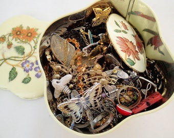 FREE Shipping Destash Insect Bug Butterfly Theme 1.7 pound Jewelry Lot Tin Vintage Broken Parts Project charms Enamel Brooch Pins Set 1