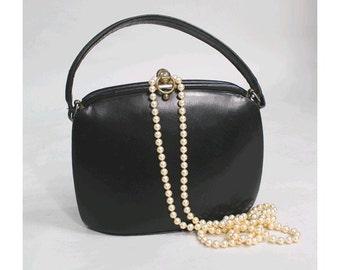 1940s french Handbag  40s black leather top handle handbag
