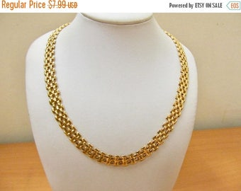 On Sale Retro Gold Tone Link Collar Item K # 1143