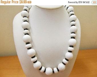 On Sale Vintage Black and White Plastic Beaded Necklace Item K # 2516