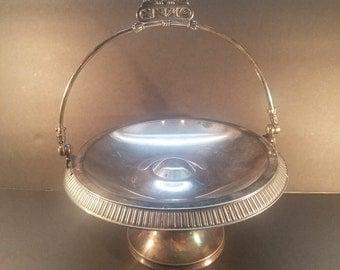 Bride's Basket Silver Plate c1900s Meriden Co, Bridal Banquet Pedestal Cake Basket with Swivel Handle, Vintage Wedding Reception