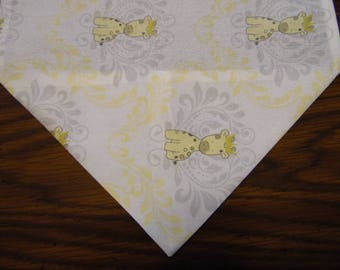 Baby Giraffe Table Runner, Babies Room Dresser Scarf, Baby Shower Party Decor, Table Runner, Table Linen