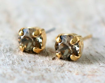 Greige | Crystal Earrings | Wedding Jewelry | Greige Earrings | Gray Studs | Greige Wedding | Beach Jewelry | Gray Wedding | Gold Earrings