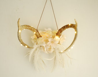 Real Lit Floral Deer Antlers - Mini Lights Wrapped White Flowers Feathers Wall Hanging Nursery Taxidermy Wedding Home Decor Room Decoration