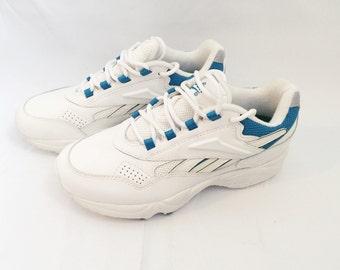 Women's Reebok Sneakers Roadwalker Size 7 Deadstock