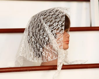 Lace Shawl - Lace Head Scarf - Lace Veil - MantillaTriangular - Bridal Shawl -Ivory Wedding Accesorry - Country - Gift for Her