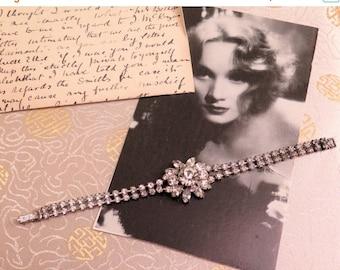 SALE - 25% OFF Vintage Rhinestone Bracelet - Vintage Bracelet - Clear Rhinestone Bracelet - Flower Bracelet - 1950s Bracelet - Gift for Her