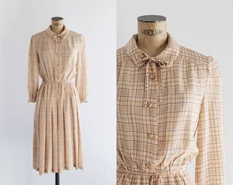 Vintage 1970s Plaid Cream Dress - 70's Fashion  - Mid Tempo Dress