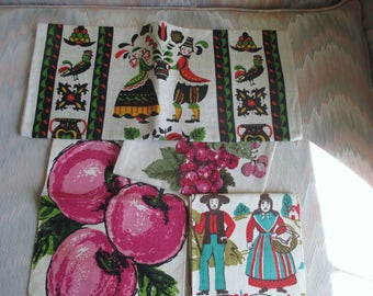 4 Vintage Tea Towels never used.