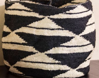 Awesome Large Black and Natural/White Sisal/Shigra/Agave Fiber Tote/Market Bag/Purse