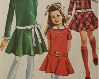 UNCUT and FF Pattern Pieces Vintage Simplicity Sewing Pattern Size 14 Dress  with Detachable Collar and Cuffs