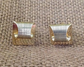 Embossed gold tone metal cuff links cufflinks suit tuxedo accessory retro chic formal wear prom wedding