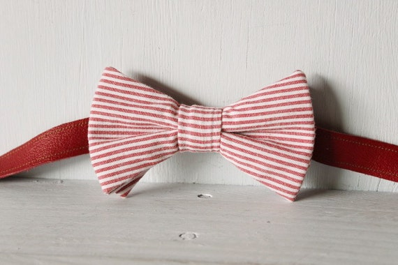 Bow tie unisex >> Red and white stripe bow, leather strap, silver buckle >> Brisbane