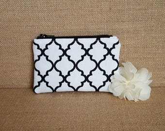 Coin Purse / Zip pouch / Change Purse / Business Card Holder in Black and White Quatrefoil
