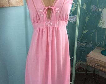 Pretty in Pink Vintage Short NIghtgown