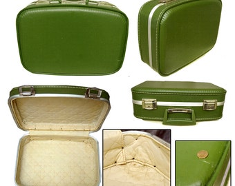 60s Avocado Green Suitcase / Pin-up Suit Case / Rockabilly Suitcase / Kitsch Suitcase
