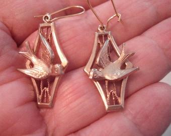 Vintage Dangle Bird Earrings Pierced Gold Tone