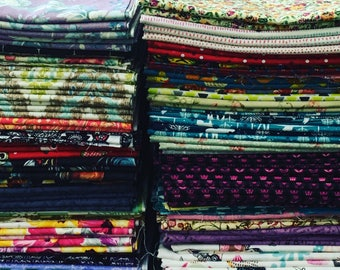 Lot of 100- 1 yard cuts of quilting fabric- no duplicates- 100% cotton