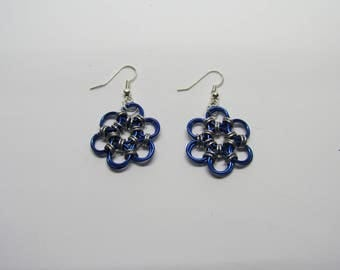 Chainmail Daisy Earrings - Dark Blue