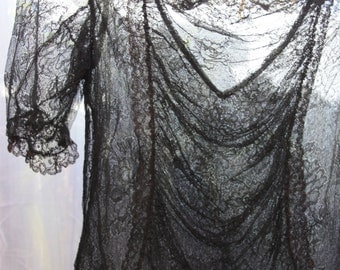 Sassy little gal, Chantilly lace Edwardian-early 1920s Blouse, Gothic,