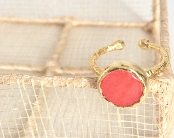 Hammered 22K Gold Plated Coral Jade Ring