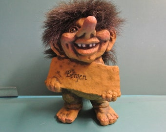 Vintage rare collectible NY FORM Norway handmade Bergen souvenir Troll Gnomh doll with brown hair and foot label in exellent condition