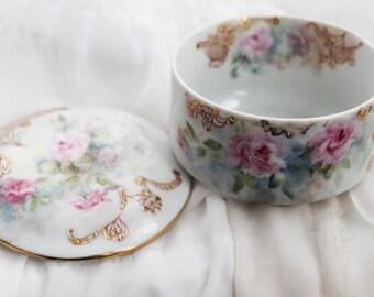 Vintage Shabby Rose Jewelry Keepsake Dish Container Trinket Box Floral Porcelain