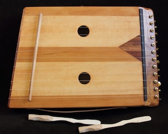 Easy to play Hammered Dulcimer instrument. 12 note scale.