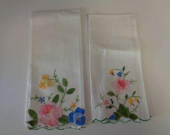 2 Vintage Hand Appliqued Linen- hand-Finger  Guest towel- Tea Towels