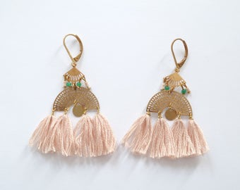 """Pair of earrings """"BIARRITZ"""" in varnished gold brass and soft pink cotton. Creator's jewel."""