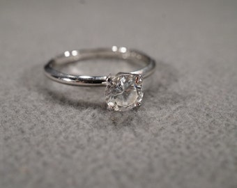 vintage sterling silver solitaire ring with large prong set round faceted cubic zirconia stone, size 9  M3