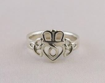 Trinity Knot Claddagh Ring
