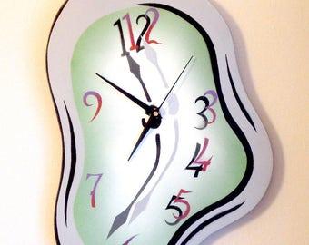 Melting - Melting clock made of plywood