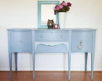 Now *** SOLD *** Pre-loved Hand Painted Light Grey Serpentine Sideboard Bedroom Dresser Entry Hall Table Console Furniture