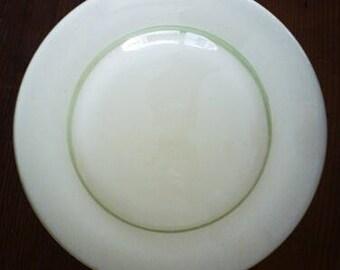 Cream Shade w/ Green Rings / Small