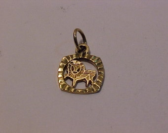 10k yellow gold Lion of Juda charmépendant-1.00 shipping