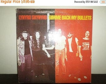 Save 30% Today Vintage 1977 LP Record Lynyrd Skynyrd Gimme Back My Bullets Excellent Condition 7715