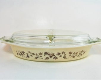 Pyrex Golden Acorn Divided Dish, Pyrex 063, Golden Acorn, Vintage Pyrex, Kitchenware, Gold Pyrex, Cinderella Casserole, Serving Dish
