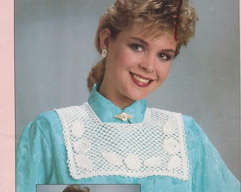 Crochet Vintage Booklet Crocheted Collars Book 2 Leisure Arts 526 by Terry Hall 4 Designs