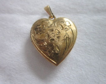 Antique Gold Filled Photo Locket Necklace Pendant with Engraved Flowers